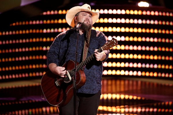 Team Blake wins, thanks to Sundance Head.