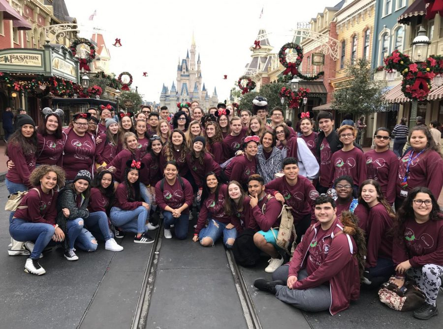 The+WRHS+Advanced+Choir+at+Magic+Kingdom.