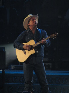Garth Brooks playing in Nashville, Tennessee in December of 2010.