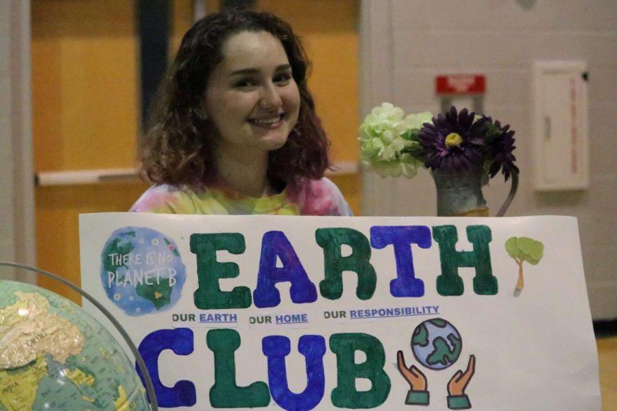 Earth club president, Kara Weihman