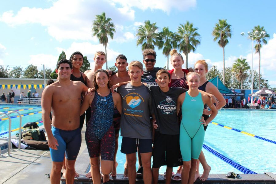 The people who all made it to regionals for swim.